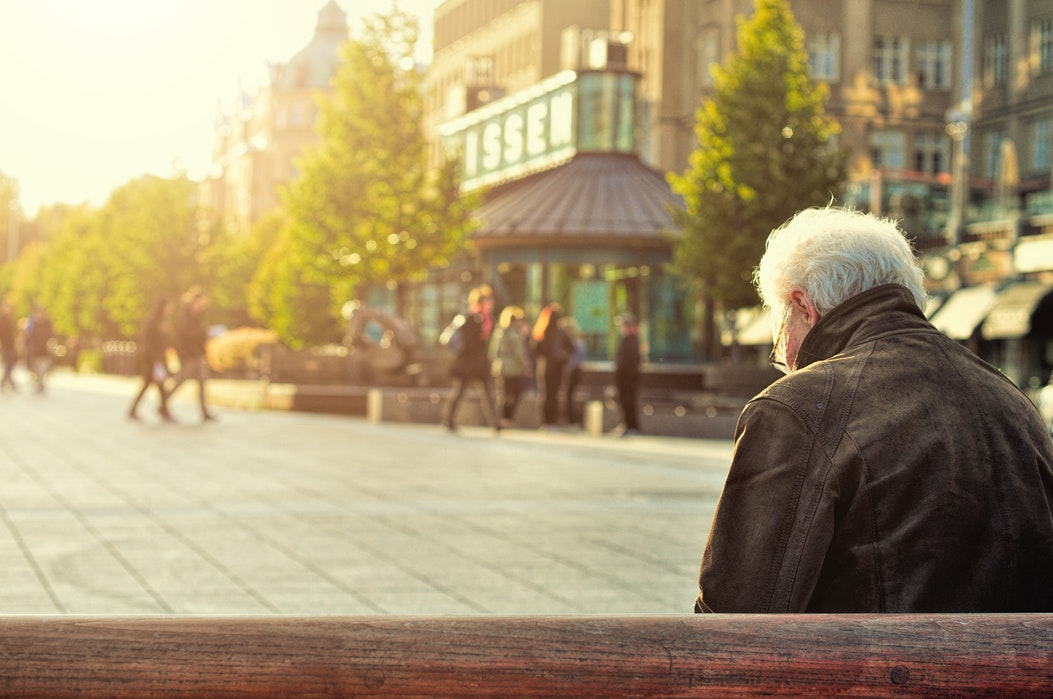 senior actif comment se relever d'une chute